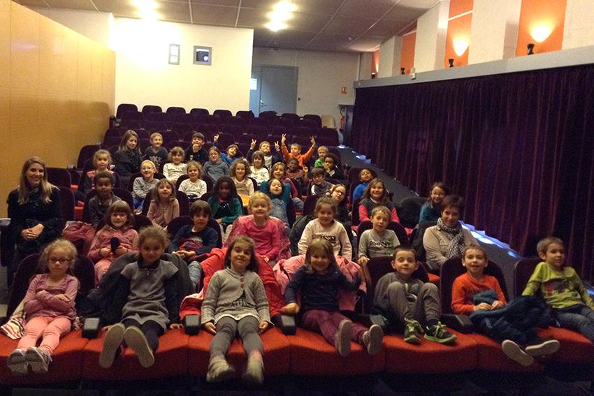 2017 - Séance Ecole et Cinéma avec 2 classes du Cycle 2 de l'école de St-Julien